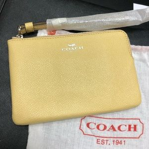 Coach Vanilla Crossgrain Leather Wristlet